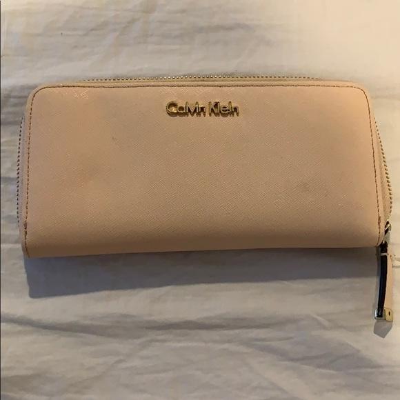 Calvin Klein Handbags - Calvin Klein Wallet